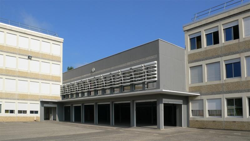 Mise en place diffuseur lumineux et raccordement alarme et SSI de catégorie A au collège Georges Brassens Decines